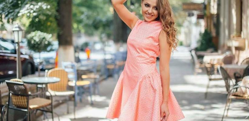Unicul târg de vară cu haine autohtone la mega-reduceri de la Nikita Rinadi