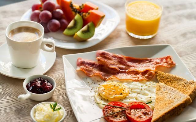 Alimentează foamea de la prima oră! Iată ce se întâmplă în corp dacă sari peste micul dejun