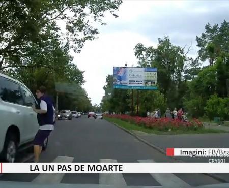 Șoferul care a fost la un pas să spulbere o femeie pe o trecere pietonală a fost amendat cu 1500 de lei (video)