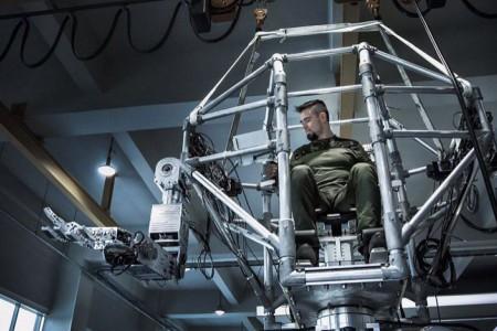 video--un-grafician-moldovean-este-autorul-noului--robocop--a-unor-roboti-din-transformers-si-terminator-33933