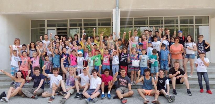 Peste 160 de elevi moldoveni au interacționat cu adolescenți și profesori de la o școală celebră din Abingdon, Marea Britanie (Foto)