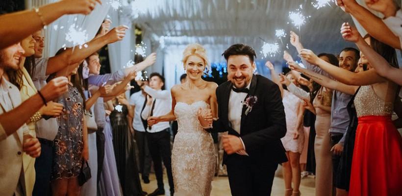 E nuntă de artiști. Gloria Gorceag și Smally sunt miri în această seară (FOTO)