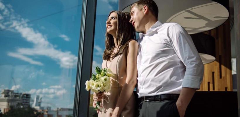 O prezentatoare TV s-a căsătorit! Nu a purtat rochie de mireasă (Foto)