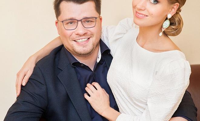 Garik Kharlamov și Kristina Asmus au arătat chipul fetiței lor! Micuța a moștenit trăsăturile ambilor părinți