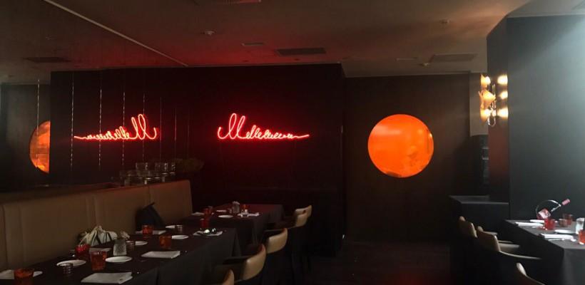 Celebrul artist Pavel Brăilă a expus o lucrare în neon într-un restaurant din capitală (Foto)