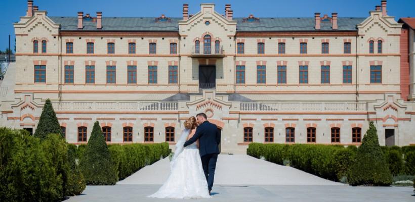 Ai nuntă? Primește o ședință foto gratuită la Castel Mimi