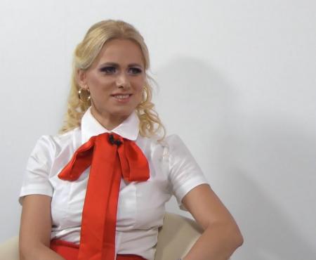 De la jurist la creatoare de eșarfe. 20+ prezintă brandul Coreli by Corina Hamureac (Video)