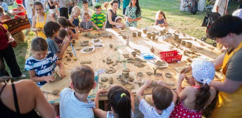 Astăzi, în satul Ivancea, ne cufundăm în antichitate! Copiii vor participa la săpături arheologice