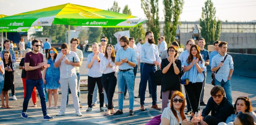 Optimism, muzică și un apus de milioane la evenimentul RoofOffline, marca AGORA și EA.md (Foto)