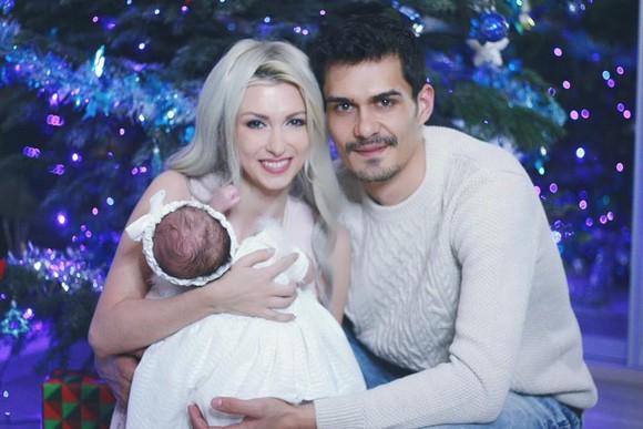 """Andreea Bălan: """"E minunat să fii mamă!"""" Fiica ei a început să meargă"""