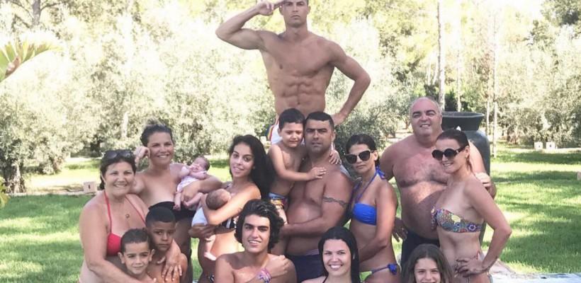 Cristiano Ronaldo și-a arătat în premieră imensa familie. Cine sunt frații fotbalistului