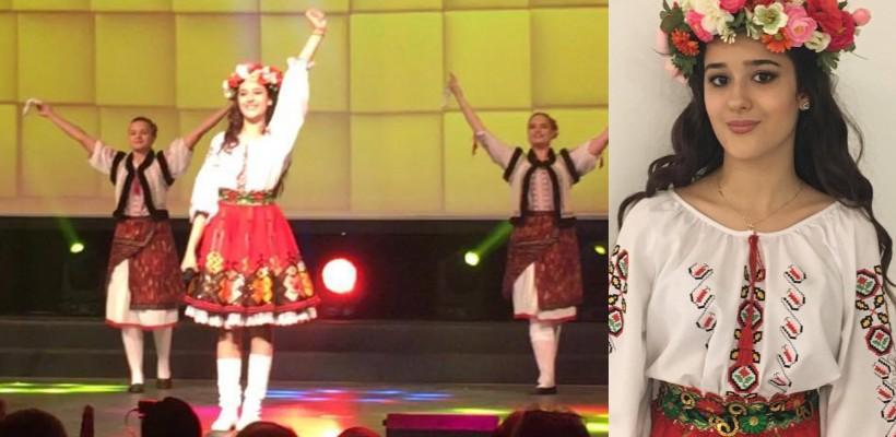 """Emily Istrate cântă """"Hora din Moldova"""" pe scenele din Europa. E aplaudată din picioare! (FOTO)"""