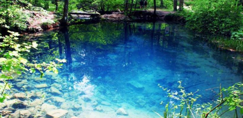 Lacul din România care nu îngheață niciodată