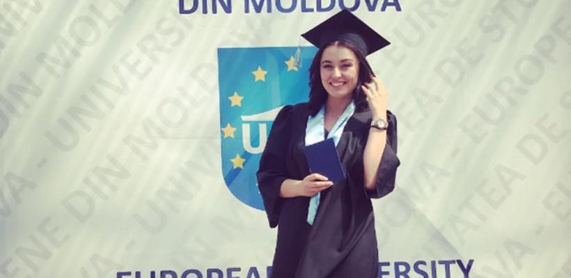 Lili Lozan, din nou în straie de absolventă! Jurnalista și-a încheiat studiile la ciclul de masterat (FOTO)