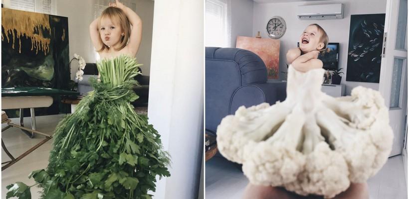 O mămică își îmbracă fetița în mâncare și flori. Micuța a devenit vedetă pe internet!