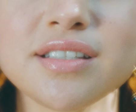 """Selena Gomez a lansat un clip în care își arată doar fața. Ascultă """"Fetish"""" – cel mai nou featuring al artistei"""