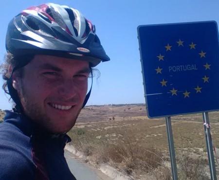 Un tânăr din Leova a făcut 7500 km cu bicicleta până în Portugalia, unde a pornit cu doar 50 euro și 20 de dolari în buzunar