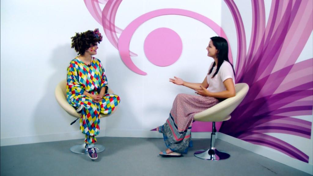 Interviu 20+ cu Elena Grădinaru - Clounella.00_00_34_21.Still003