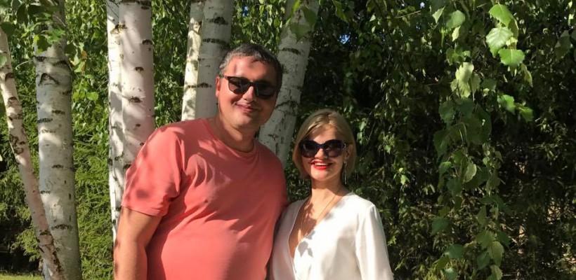 Un nou duet muzical de la politicianul Renato Usatîi. Cântă cu nevasta lui Krug (Video)