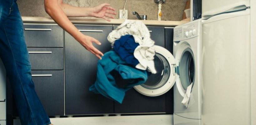 Un student își propune să reducă drastic greutatea mașinilor de spălat. Iată ce a inventat