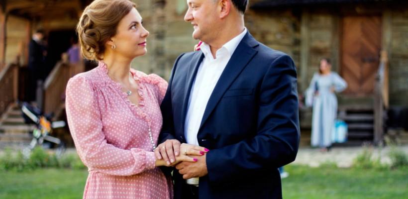 Igor și Galina Dodon împlinesc 18 ani de căsnicie. Cum arătau mirii în ziua nunții (foto)