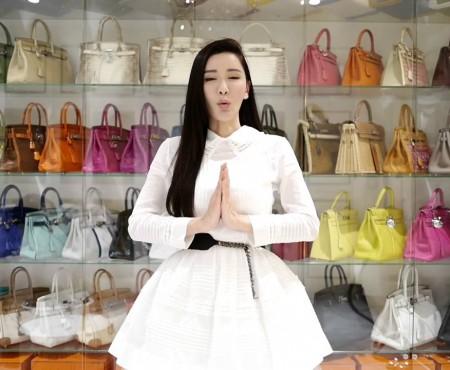 O singaporeză se laudă cu una dintre cele mai mari colecții de poșete Hermès Birkin, din întreaga lume
