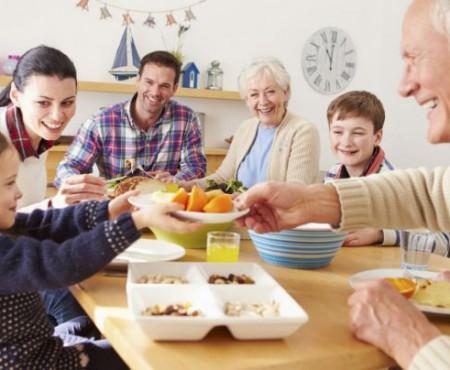 Ce efecte negative are lipsa meselor regulate în familie