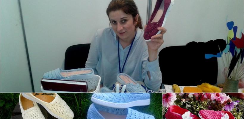 Espadrilele pot fi și… croșetate! Tânăra mămică Ina Minciună a transformat pasiunea din copilărie într-o mică afacere (Foto)