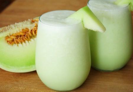 Elimină toxinele și slăbește plăcut! Cum prepari supa rece de pepene galben