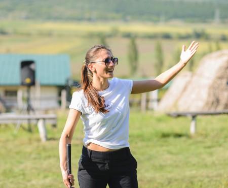 """""""Andra de Moldova"""" e campioană la Mini Golf. I-a bătut pe concurenții săi, jurnaliști de meserie"""