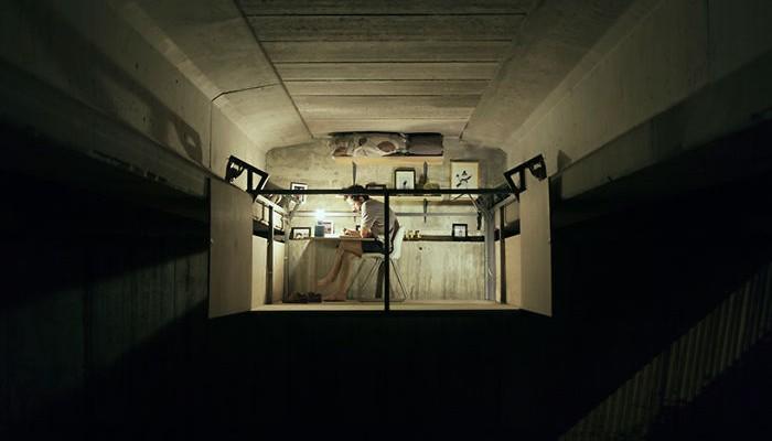 Un designer și-a făcut birou sub un pod din Valencia