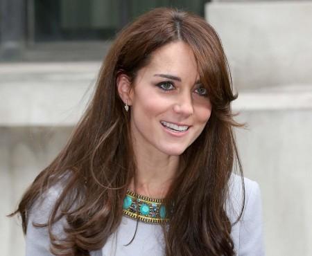 Cea mai scumpă bijuterie purtată vreodată de Kate Middleton valorează 300 mii de lire sterline. I-a aparținut Prințesei Diana