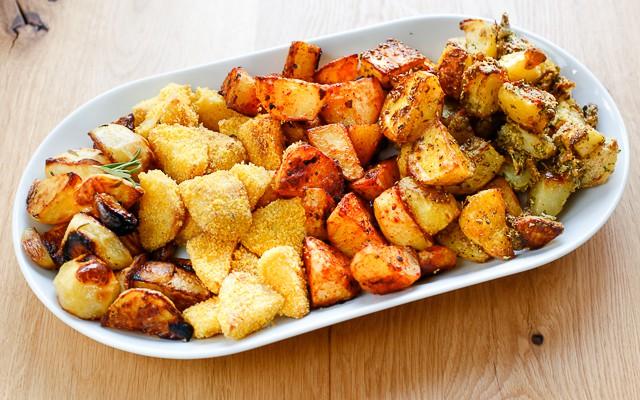 Cum prepari cei mai delicioși cartofi la cuptor? Iată 3 rețete simple și la îndemâna oricui