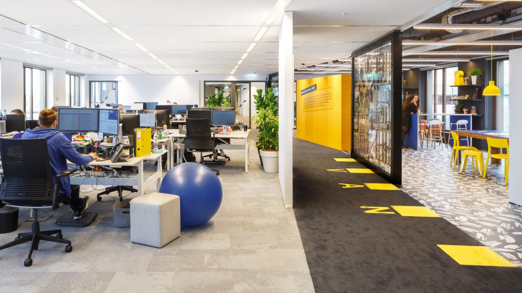 Booking.com, Amsterdam. Interior design: HLW international