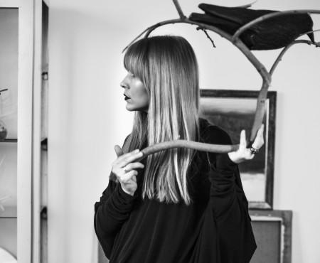 Julia Allert își trăiește visul – este mamă, soție și designer de excepție!