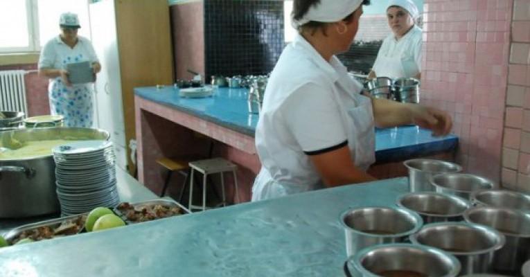 Sondaj EA.md: Ce salariu ar trebuie să aibă personalul auxiliar din grădinițe: dădacele și bucătarii?