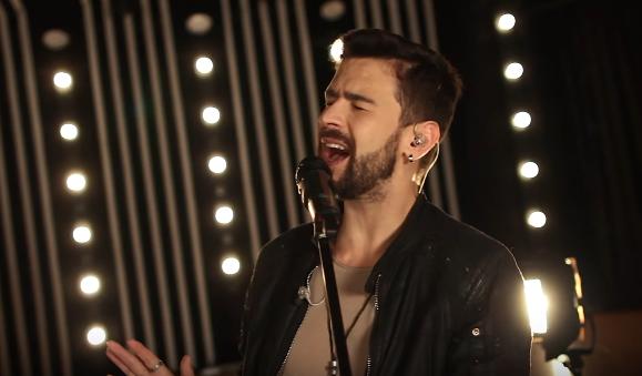 """""""Haina Evei"""" a îmbrăcat… o nouă haină! Pasha Parfeni lansează versiunea acustică a piesei (VIDEO)"""