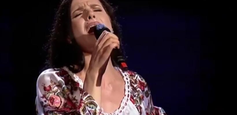 """""""Hora din Moldova"""" a răsunat în această seară la Vocea României! Tânăra care a cântat piesa are o poveste emoționantă"""