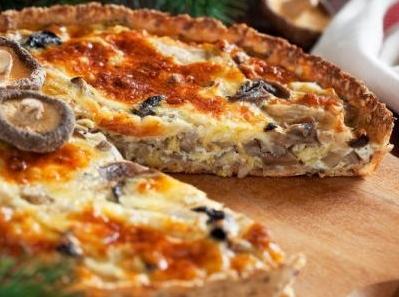 Tartă cu pui și ciuperci – un deliciu pentru întreaga familie! Vezi cum se prepară