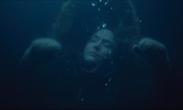 """Scenă din filmul """"The Mountain Between Us"""""""