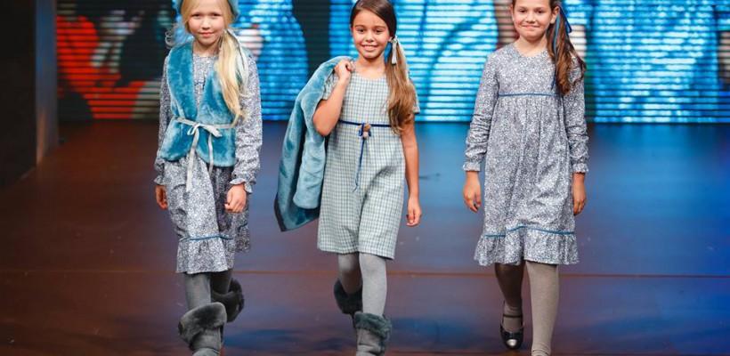 Picii din ziua II a Moldova Fashion Days – îndrăzneală, culoare mult zâmbet. Vedeți colecțiile Lia Fia și Creme Brulee