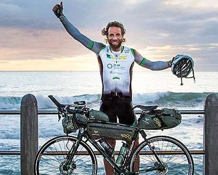 Un biciclist britanic a străbătut 29 mii de kilometri pe 2 roți, în 78 de zile