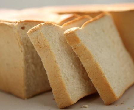 13 pași care te ajută să faci cea mai gustoasă pâine toast! Urmează-i cu exactitate