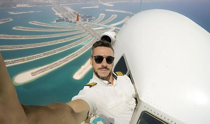 pilot-fake-mid-flight-selfies-instagram-daniel-centeno-6-59b244300e90f__700