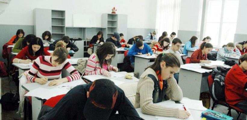 La școală, ca la închisoare…În Chișinău, avem școli cu 45 de copii în clasă deși regula cere cel mult 25