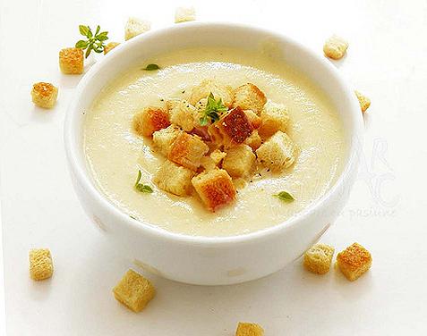 Supă cremă de conopidă – rețeta pe care o vor adora copiii tăi! Iată cum se prepară