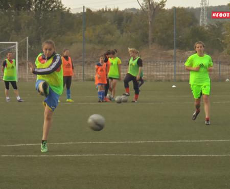 Cel care a zis că fetele nu sunt bune la fotbal, nu le-a cunoscut pe tinerele din echipa Real Succes – campioana Moldovei la fotbal feminin