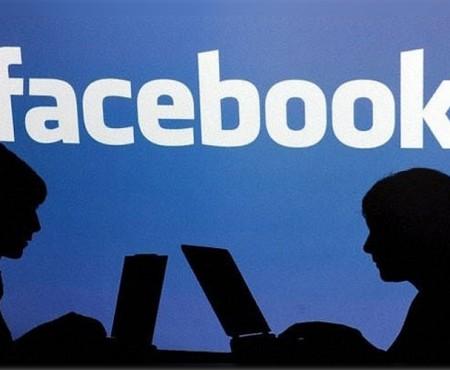 Un filmuleț amuzant despre ce fac rețelele sociale din oameni. Te regăsești?