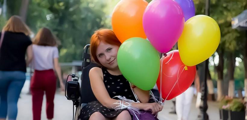 """Mariana Morari, o nouă eroină în proiectul fotografului Vlad Andreev, """"Dizabilitatea văzută altfel"""" (Foto)"""