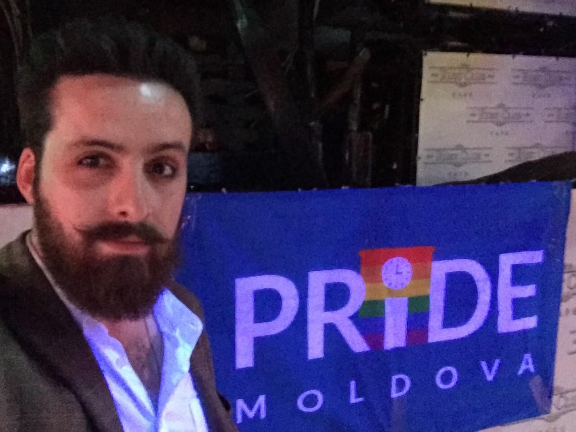 Un interviu cu un homosexual care merge mai des la biserică decât mulți heterosexuali declarați creștini